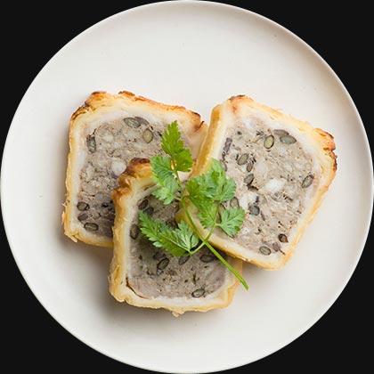 オイシックスのおせち料理!酒好き一人暮らし向けのオードブルおせち『DEAN&DELUCA』レンズ豆と塩豚のパテ・アンクルート