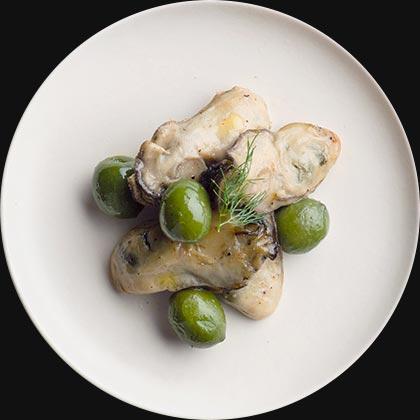 オイシックスのおせち料理!酒好き一人暮らし向けのオードブルおせち『DEAN&DELUCA』広島県産牡蠣のローズマリーのマリネ